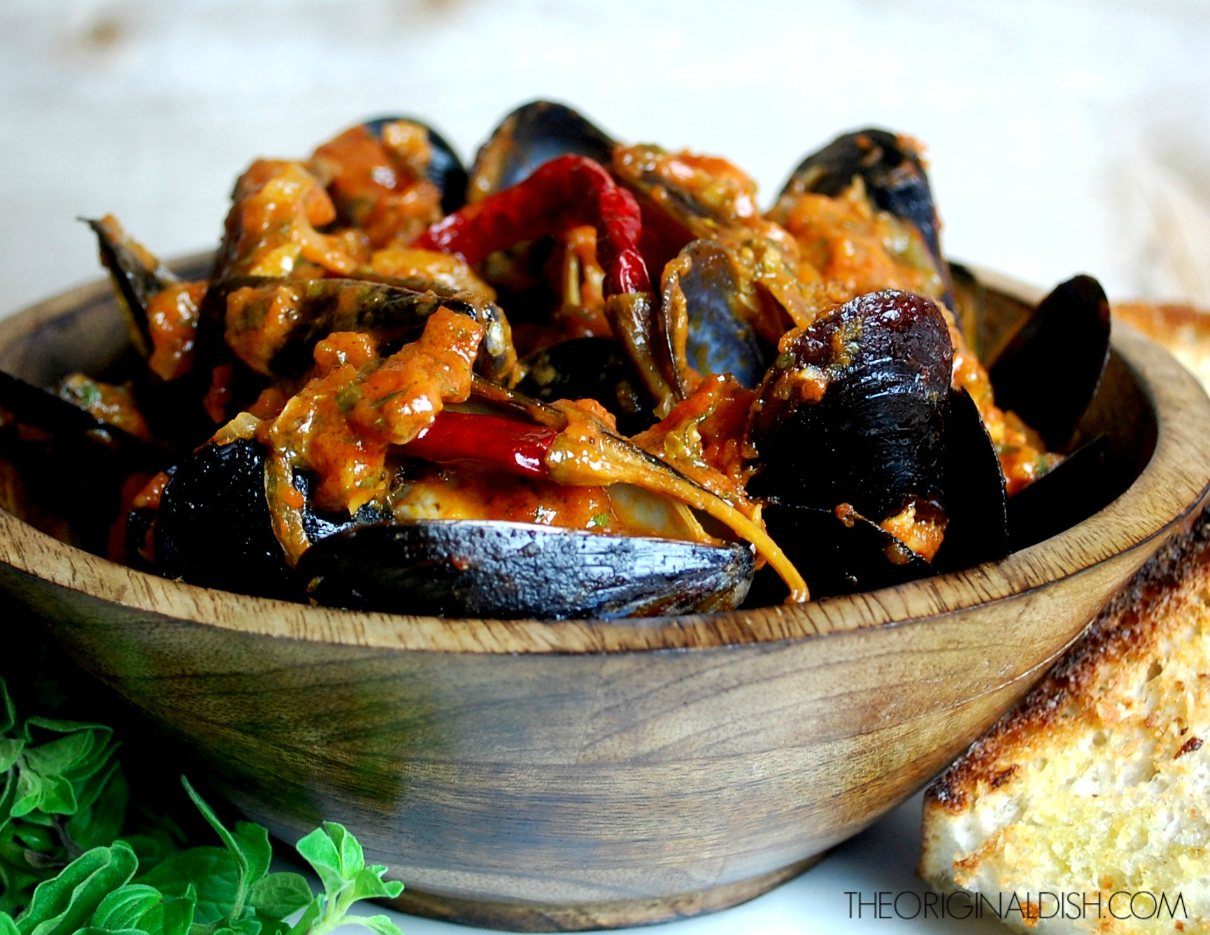 Steamed Mussels in Spicy Tomato-Wine Broth with Crusty ...