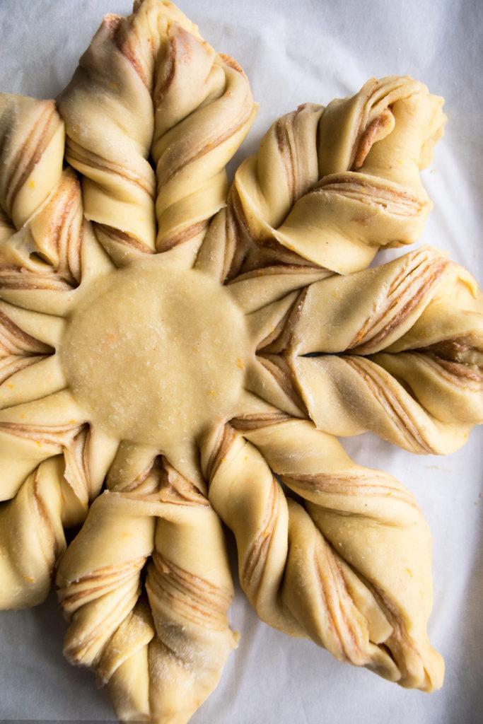 Christmas Morning Star Bread
