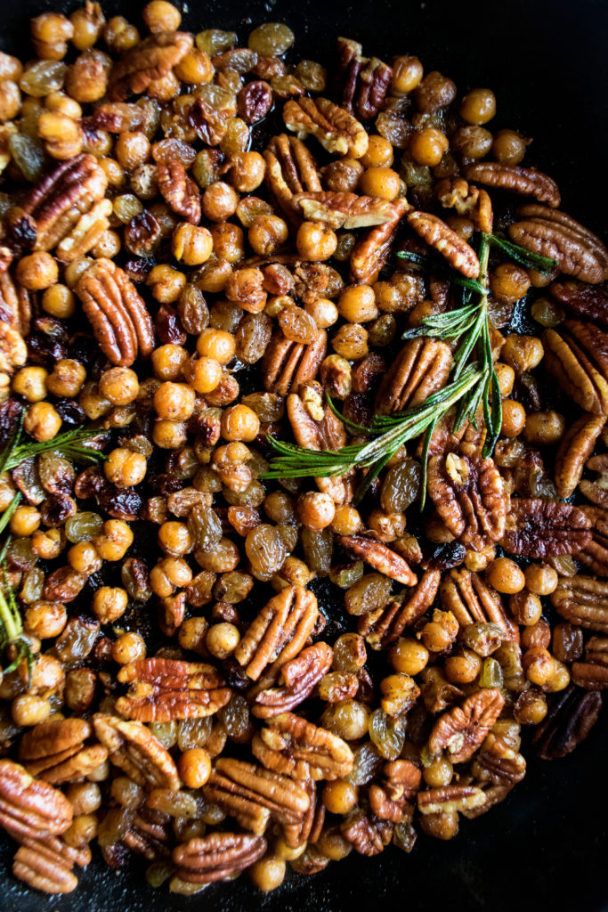 crispy harissa chickpeas and pecans in the pan