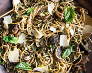 Whole Wheat Spaghetti with Kale Pesto