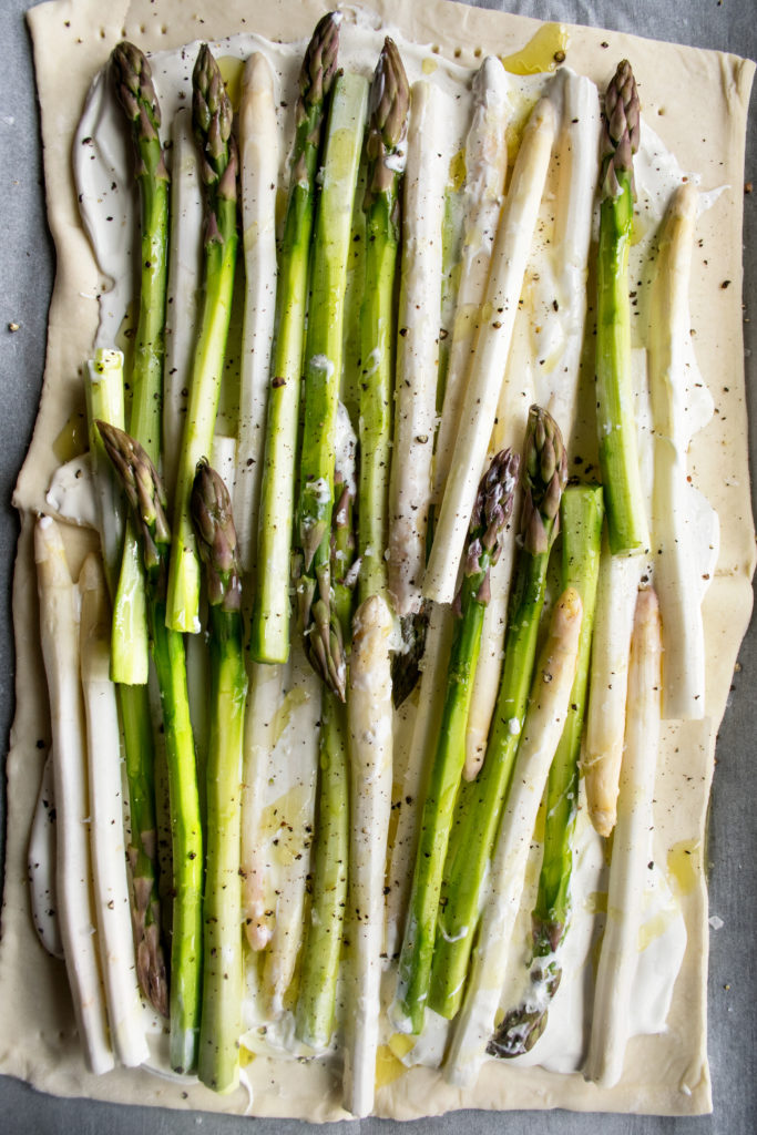 puff pastry with mascarpone and asparagus